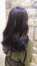 マニキュアを使ってインナーカラー! その名もあぜげレイニーブルーです☂☂`(´ω`u) カラーモデルとして施術させていただくので通常よりお安い料金でやらせていただきます! Hair&MakeZEST吉祥寺店所属・ZESTあぜげのフォト