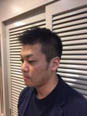前髪をあまり短くせずに周りは刈り上げでスッキリさせました!!(モデルさんの要望) ヘアーサロン銀座マツナガ所属・糸川智泰のスタイル