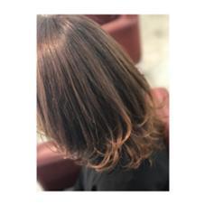 軽やかなレイヤースタイル。 コテで毛先をワンカールいれることで 立体感、エアリー感が出ます。 PRANA所属・宮本剛司のスタイル