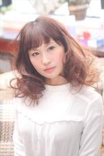 ゆるめのパーマとホワイトアッシュで 今日から◯◯ちゃん! ガーリーになりたい方必見です☆ 福田勝也のスタイル