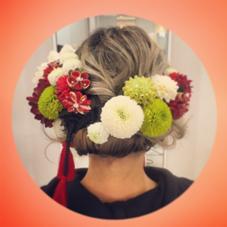 成人式のお客様です。 生花は持参いただきました。 浅井理恵のスタイル