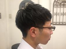 営業スタイル☆ツーブロック爽やかショート  社会人になって、派手な髪型が出来なくても、さりげないツーブロックで個性を光らせたスタイルです! keep hair design所属・甲田粋愛のスタイル