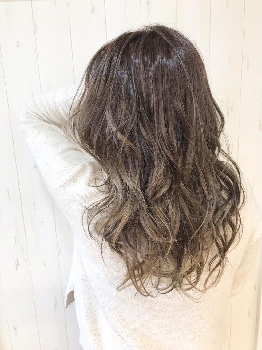 #カラー イルミナのトワイライトグレージュで 色落ちも綺麗な髪に✴︎  イルミナカラーは➕2200