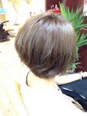 ショートボブに今流行りの グレージュをグラデーションでon☆ 八木駿輔のスタイル