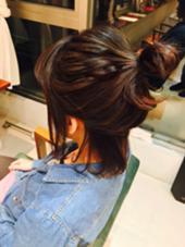 ヘアアレンジ  伸ばしかけの髪やロングボブのアレンジに!^ ^ 全体的にコテ巻きしてからフェイスラインの髪と襟足は残してスタイリングしました!  felicebylittle所属・小塚友和のスタイル