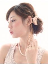 フェミニンなシニヨンアップ Agu hair terrace by   alice所属・スエヨシフミナオのスタイル