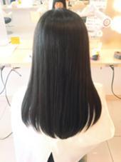 毛先を少し整えてから縮毛矯正✂︎✂︎✂︎仕上げは毛先にアイロンを少し通しただけです!しっかりとクセも伸びツヤのある仕上がりになっています! Ash町田所属・武川健也のスタイル