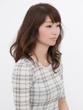 ミディアムレイヤースタイル FIX-UP所属・深澤伊織のスタイル