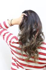 こちらもグラデーションにポイントで、ハイライト+ピンクを♡  mAhalo hair所属・伊藤尚貴のスタイル