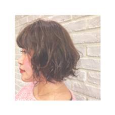ふわっふわコテ巻き風パーマ✨ 自然なナチュラルパーマでスタイリングも簡単です♪ RADnoel梅田所属・鈴木良華のスタイル