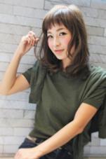 前髪を眉上でカットし、顔周りにレイヤーをいれて動きを出したスタイル♪ 美容室ISA所属・内田祐美のスタイル