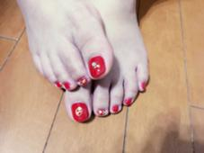 #mothers nail#red#summer#stone#footnail 長谷川舞のフォト