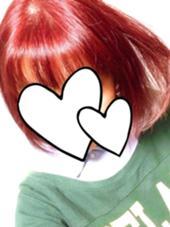 秋カラーのレッドバイオレット!毛先は痛みすぎて色が薄くしか入らなかったため、グラデーションっぽく見えます。これはこれで可愛いです◎ beauty:beast 浦添店所属・仲宗根菊乃のスタイル