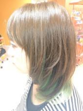 インナーカラー♪ エメラルドグリーン♪ 美容室マオ所属・小川恵里家のスタイル