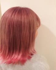 裾カラー 全体をベビーピンクでカラーして 裾をビビッドなピンクで染めました 稲田杏奈のスタイル