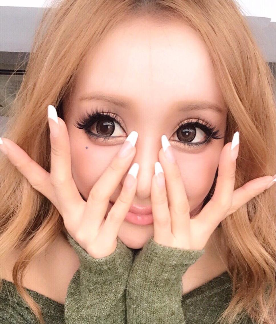 #セミロング #カラー #パーマ #ヘアアレンジ #メンズ #キッズ #ネイル #マツエク・マツパ #その他 #姉ageha  モデル saki mayukawa様 真優川咲 @saki_411 様 ・ ・ #スカルプ して #光るネイル に #フレンチネイル ・ 光るネイルの写真がなくてサンプルチップにしました。 ・ さきちゃんのネイルはフレンチの白部分が光るんですよ〜♪ ・ 秋冬も夜楽しい(≧∇≦)光るネイルがオススメです✨ . saki様ありがとうございます〜 (≧∇≦) . . 目がめちゃくちゃ大きいー∑(゚Д゚) ・ agehaの #モデル さん達みなさん可愛い❤️ . まゆかわ さきちゃん @nailsgogo にご来店✨ ・ ・ ・ ◆NAILSGOGO渋谷店 渋谷区宇田川町16-8 3階 03-5728-4343 ・  https://beauty.hotpepper.jp/smartphone/kr/slnH000307432/ ・ ・ ・ ・ ・ ・ ・ ・ ・ ・ ・ ・ ・ #秋ネイル  秋の新色入荷してます✨ ・ ・ 【学生限定メニュー】&【渋谷割】 ・ 学生さんと渋谷区にお勤めまたは在住者に ・ 特別メニュー ・ ◆スカルプ つけ放題にナイトグロウ(4000円分もプレゼント)ジェルネアート ラメ ホロつけ放題に更に4320円分の畜光ネイルをつけます! ・ 通常18300円→12980円‼️ ・ ◆フット&ハンドつけ放題にナイトグロウもプレゼント 画像持ち込みOK★ジェルアート ラメ ホロ ストーンつけ放題に畜光ネイル4320円分もつけます ・ 通常18300円→12980円‼️ ※予約時 学生証を提示した方限定メニュー ・ ・ 学生のみなさん‼️お見逃しなく ・ ※必ず学生証を提示して下さい。 ・ ・ ・ ◆【渋谷割】 渋谷区にお勤めまたは在住者に #ホワイトグラデーションネイル #白カラグラ  に先端が光るネイル 6980円❗️激安❗️ ※社員証または在住が確認できる物を掲示ください ・ 予約は03-5728-4343または ・ ホットペッパーNAILSGOGO ・ ・ https://beauty.hotpepper.jp/smartphone/kr/slnH000307432/ ・ ・ ◆場所 ・ 渋谷センター街ZARA目の前 靴屋randaと同じビル3階 ・ ◆朝10時〜夜10時まで営業 ・  #女子力 ・ ・ ・ ・ 小田急 祖師ヶ谷大蔵 予約は03-6411-3939 ・ ホットペッパーNAILSGOGO ・ ・  https://beauty.hotpepper.jp/smartphone/kr/slnH000307678/ ・ ・ ◆場所 ・ 渋谷センター街ZARA目の前 靴屋randaと同じビル3階 ・ ◆朝10時〜夜10時まで営業 ・  #キャバクラ #渋谷 #ネイル #歌舞伎町  #nail #畜光ネイル #ナイトグロウネイル #キャバ嬢 #キャバ嬢life #nightglownail #光るネイル #女子力アップ #フットネイルデザイン #スカルプ #スカルプネイル #渋谷ネイルサロン #ネイルサロン渋谷 #フットネイルデザイン #スカルプ #スカルプネイル #instanails #歌舞伎町 #nails #ネイルデザイン #ネイルデザイン #スカルプ #スカルプチュア #キャバ嬢ネイル #姉ageha #ネイリスト求人