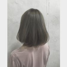 お客様カラー ブリーチ1回、アッシュグレージュ×シンプルなワンカールボブ 仲井弘樹のミディアムのヘアスタイル