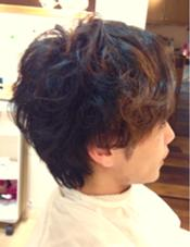 メンズクリープパーマ  ピンパーマも合わせて、動きを出しやすく、セットしやすい髪型に。 Snowdrop所属・亀田杏里のスタイル