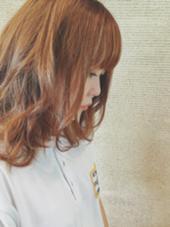 長い期間放置して 伸びっぱなし重たくなった髪の毛を 夏仕様に短く軽く でもまとまるようにカットしてます! kiki by KENJE所属・野呂田ひかるのスタイル
