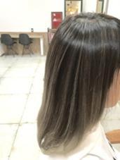 透明感のあるハイライトでグレージュカラーに★ hair design Norm所属・奥原穂南のスタイル