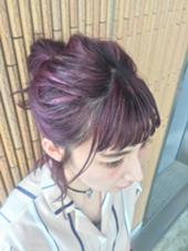 全体にナチュラルメッシュを入れ、バイオレットピンクのカラーバターをon♥ kitchen所属・sakaiyukoのスタイル