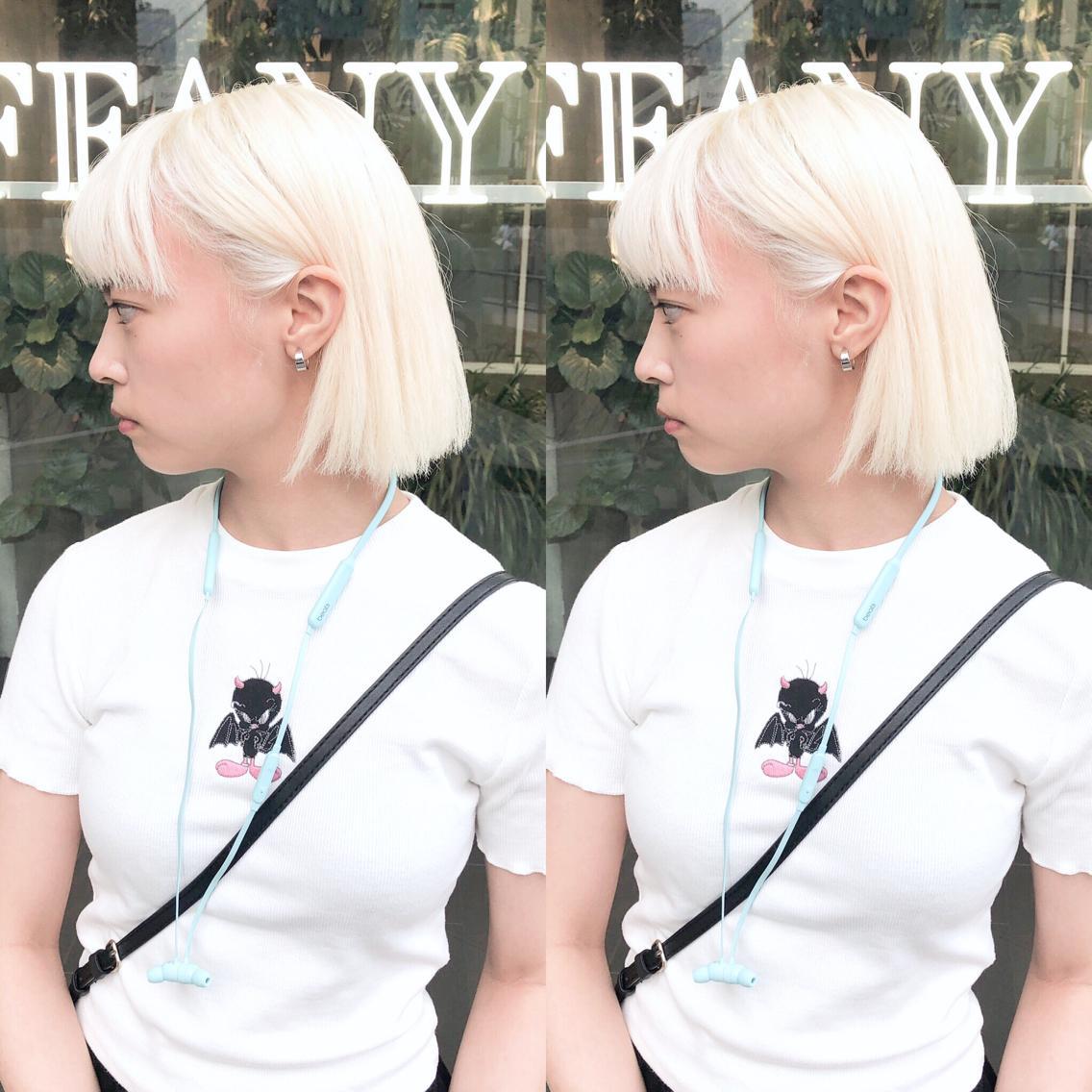 #ミディアム #カラー perfect White  ホワイトにしたい方は是非私に任せてください!  あなたのなりたいを全力で叶えます!  3〜5回ブリーチは必須です!  元々ダメージが強い方は1日では難しい場合もあるので 複数回に分けて長期計画でホワイトにするのがオススメです!!  minaではホワイトヘア用のヘアケアアイテムを多数ご用意がございますのでご自宅でのヘアケアも上手くできるようご説明致します!    ・perfect White・ ✳︎10800円〜✳︎ ✳︎minaでブリーチ3〜5回出来れば綺麗なホワイトヘアを作れます👻 ✳︎ ✳︎ダメージが強いとブリーチが出来ない場合もあるのでご了承ください ✳︎ムラシャンはエンシェールズのシャンプーを薄めて使うのがオススメ🧖🏻♀️ ✳︎ ✳︎黒染めや縮毛、デジパをしていなくてダメージがひどくなければおおよそ4〜5回ブリーチで出来ます🦄✳︎ 最後まで可愛く仕上げます🇰🇷 ✳︎ お店の近くにあるティファニーカフェで映えな写真もプレゼントします🦄 ✳︎ ✳︎黒染め履歴、ダメージが強い方はでホワイトにはならないです💦  #原宿#ハイトーンカラー#シルバーカラー#ヘアカラー#ネイビーカラー#ホワイトカラー#ブロンドヘアー#アッシュ#ケアブリーチ#ブロンドカラー#派手髪#ラベンダーカラー#ミルクティーカラー#アッシュ#ミルクティーベージュ#ブルージュ#グレージュ#ピンクカラー#インナーカラー#ハイライトカラー#グラデーションカラー#bts#seventeen#twice ✳︎ ✳︎ ✳︎