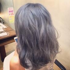流行りのグレー☆ カラーオンカラーで新しい自分発見☆ 色持ちの良いシャンプー&トリートメントも置いてます♪ ドンナ新大宮所属・瀧川秀樹のスタイル