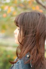素敵な髪質を活かした、外ハネのストレートスタイルです。 自然なグラデーションカラーで、軽い質感に。 grass hair flower所属・河合崇志のスタイル