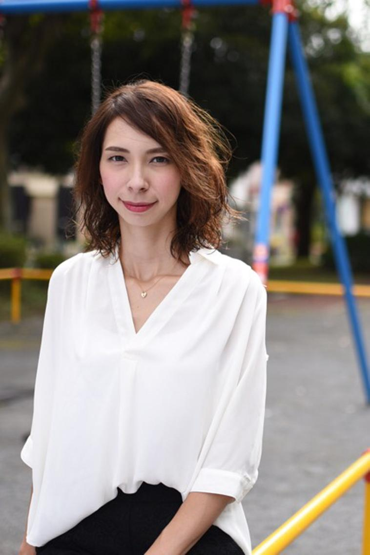 #ミディアム 大人女子世代には大切なデザイン 髪の結べる長さの利便性と、髪のおろせる利便性を兼ね合わせたパーマスタイル。 仕上げはムースデザイン大人っぽさをより引き立てます☆
