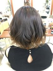 毛先ブリーチからのグラデーションスタイル Ash所属・遠藤まりえのスタイル