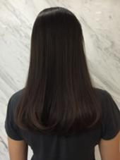 グラデーション トップは地毛のまま 毛先はブリーチにほんのり グレーとパープルを入れました ABBEY2所属・saekoiizukaのスタイル