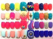 アート込み定額フットジェル¥5500(税抜) 季節によって、定額デザインが変わります。 ネイルサロン・スクールRENAO所属・nail salonRENAOのフォト