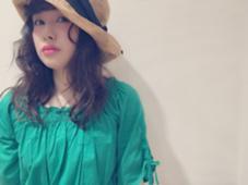 くせ毛をいかしてふわふわにスタイリング♪ Lycka所属・小林由香のスタイル