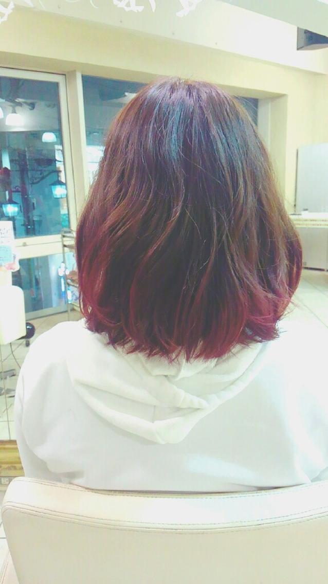 #カラー 毛先チェリーレッドで可愛くデザインカラー♪