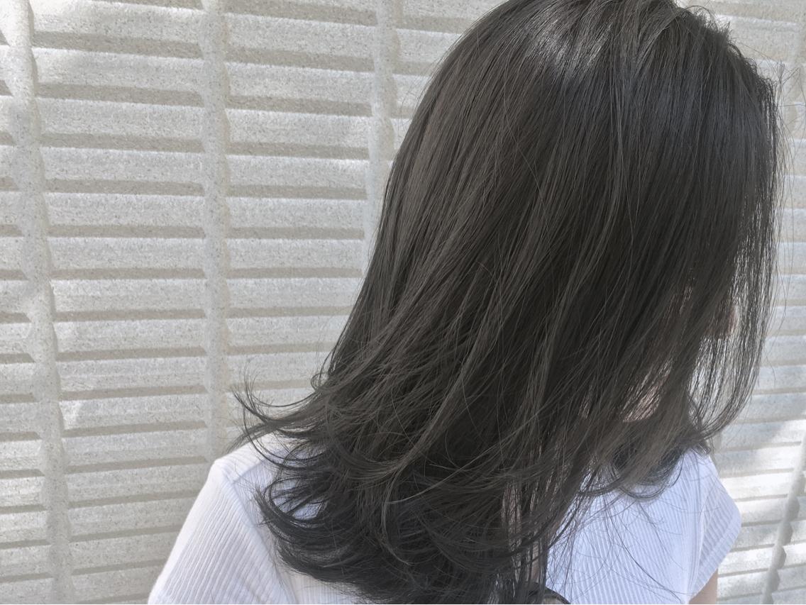 #カラー  【 イルミナカラー × シアーグレージュ 】  スーッと透ける 透明感 のあるカラーは夏を涼しく感じさせるね ♪