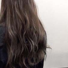 ハイライト✳︎グレージュ✳︎グラデーション ロングは外国人風なハイライトたっぷりのカラー POSH 門前仲町店所属・福永絵莉香のスタイル