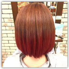 毛先にかけて赤のグラデーションカラー。 Neolive eclat所属・カラーリスト 岡本夏基のスタイル