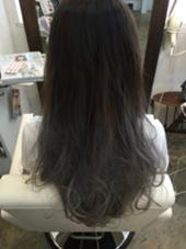 ホワイトアッシュグラデーション hair salon dot. tokyo所属・カヤノトシノリのスタイル