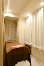 個室なのでゆったりお過ごしいただけます♪ MIRA EYELISTA表参道本店所属・ミラアイリスタのフォト