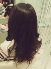 結構、暗めにしたい方へのオススメカラーです! アッシュブラウン hair&make EARTH浜町店所属・よしおかあおいのスタイル