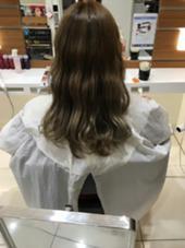 デザインカラー BASSA 高田馬場店所属・島遥香のスタイル