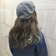 ダブルカラー後、グラーデーションでグレージュに✨ 色落ちも綺麗です! Hair Resort Lino所属・Mai.のスタイル