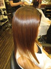 髪質改善カラーで驚く程に艶髪に(*^ω^*) お気軽にお問い合わせくださいね(*^ω^*) ヘアメイクジェルム所属・花岡宏美のスタイル