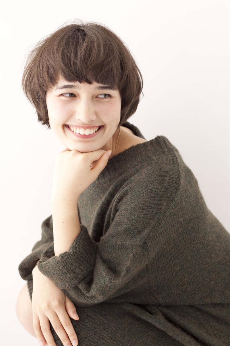 ショート カラー 今流行りの軽めのマッシュスタイル☆ゆるい毛先の動きでマッシュなのに動きのあるスタイルに!!