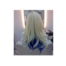 トリプルカラー★★ ハイブリーチしてマニキュアでブルーのインナーカラーを入れました〜 LiNA  ~Beauty Garden~所属・荒巻未世のスタイル