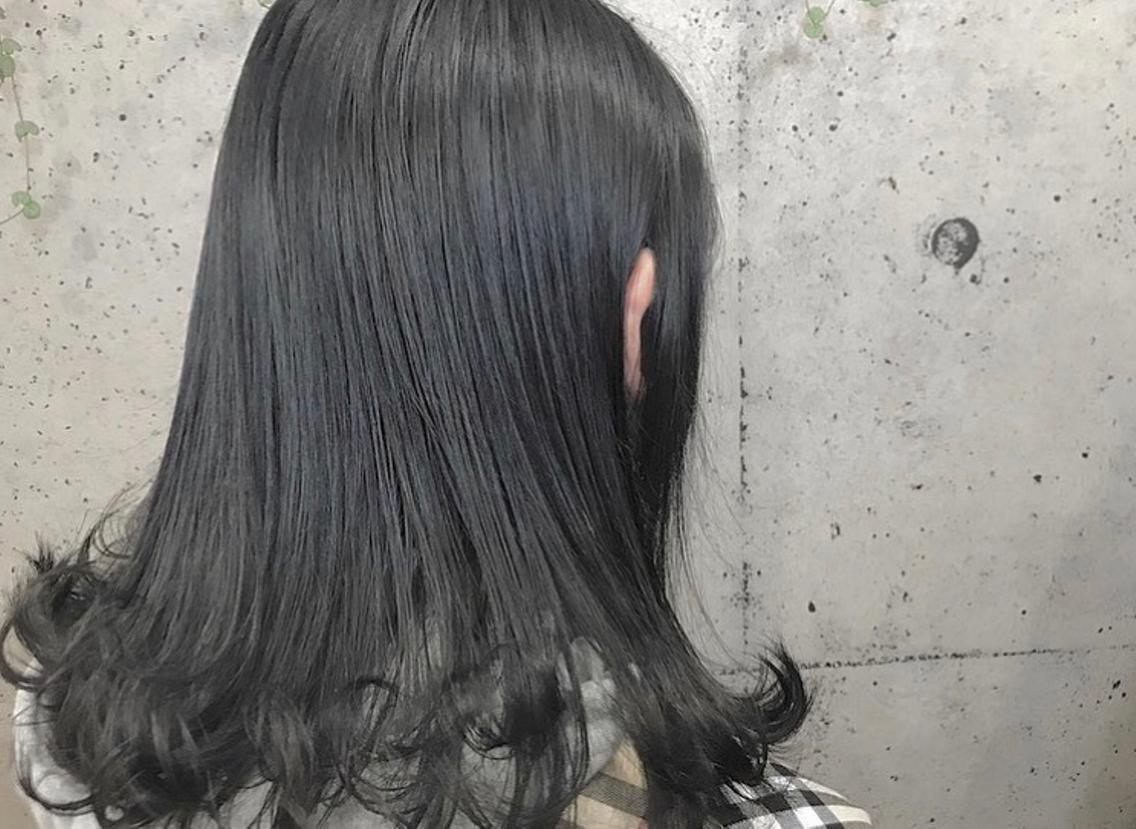#セミロング #カラー #メンズ #その他 https://instagram.com/p/BnDAoKdFu9k/ ✻ dark gray🖤 * 根元1回 毛先3回のブリーチ毛に💁🏼♀️💎💁🏻♀️ 暗くしなければいけない髪も黒染めなしで黒染めもどき!🧚🏻♂️💜 * 11月〜のサロンモデルさん募集しております!(カラー、ダブルカラー、ストレートパーマ等) DM等でお気軽に連絡してください😊 ✻ #美容師 #アシスタント #美容室 #サロン #ヘアサロン #山梨 #甲府 #background #ヘア #ヘアメイク #gradation #color #darkgray #gray #ダークグレー #グレー #グラデーション #カラー #ダブルカラー #ストレートパーマ #カラーモデル #可愛い #かわいい #サロンモデル #アレンジ #ヘアセット #モデル #募集中 #モデル募集中
