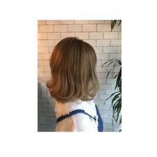 2017トレンドカラーは、グリーナリー✳︎   こちらはカーキベージュ✳︎ hair&make EARTH大宮駅前店所属・大島恵のスタイル