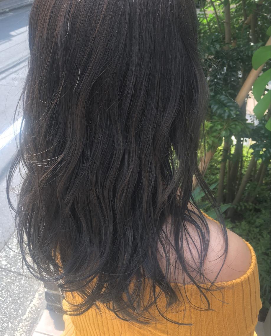 #カラー  【 イルミナカラー × シアーグレージュ 】  光に透ける透明感 と ほのかに感じる淡いグレー の大人気カラーです ♪