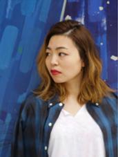 外人風グラデーションカラー。日本人の髪質特有の赤みを消しながらアッシュベージュに。カラーなんでもご相談ください☆ ange  by  zest所属・佐藤 奈佳子サトウ ナカコのスタイル