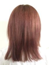 ツヤ感ピンクヴァイオレット! ツヤと可愛さをカラーで極めたい方はこちらのピンクヴァイオレットがオススメです! ハイトーンだとプラスして、透明感が増しますので今っぽい感じになります! ブラウンの髪に入れるとほんのり深い赤味が出てツヤ感を出してくれます FACE。大船店所属・中村健汰のスタイル